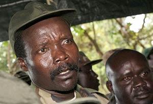 Joseph Kony é o chefe da Lord's Resistance Army (LRA), uma guerrilha que tentou estabelecer um governo teocrático em Uganda