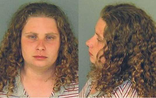 Americana Nicole Mary Scarpone, de 26 anos, foi presa por usar 'táticas agressivas de prostituição'. (Foto: Divulgação/Polícia)